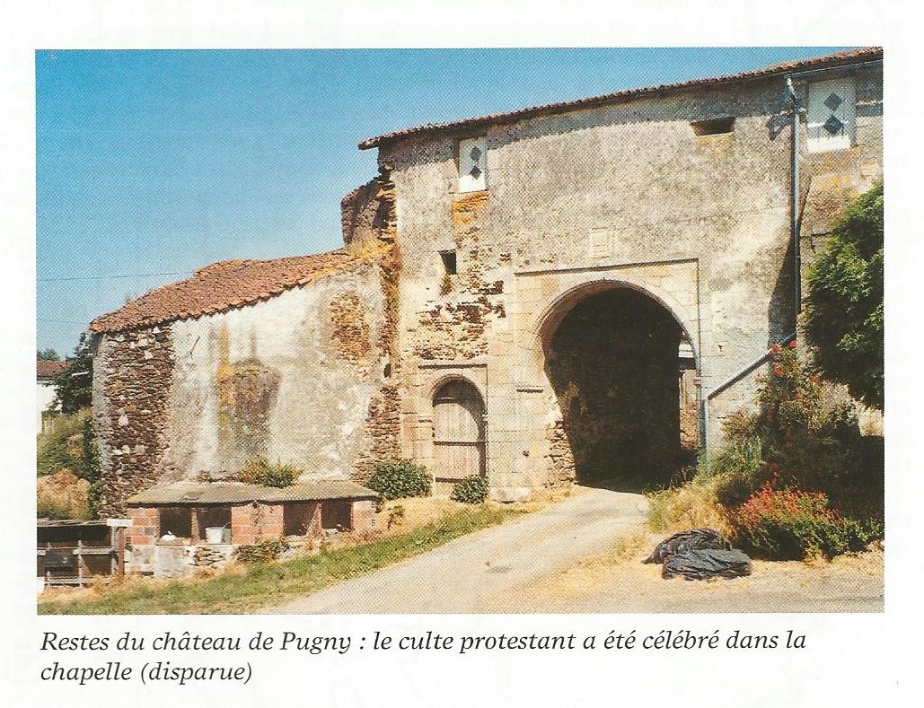 Photo du porche d'entrée construit par Guy de SAINTE MAURE en 1557