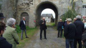 Discours de Monsieur CHATRY , président du souvenir vendéen devant l'entrée du château