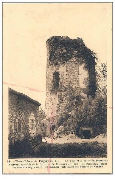 Donjon et ancien bâtiment des écuries